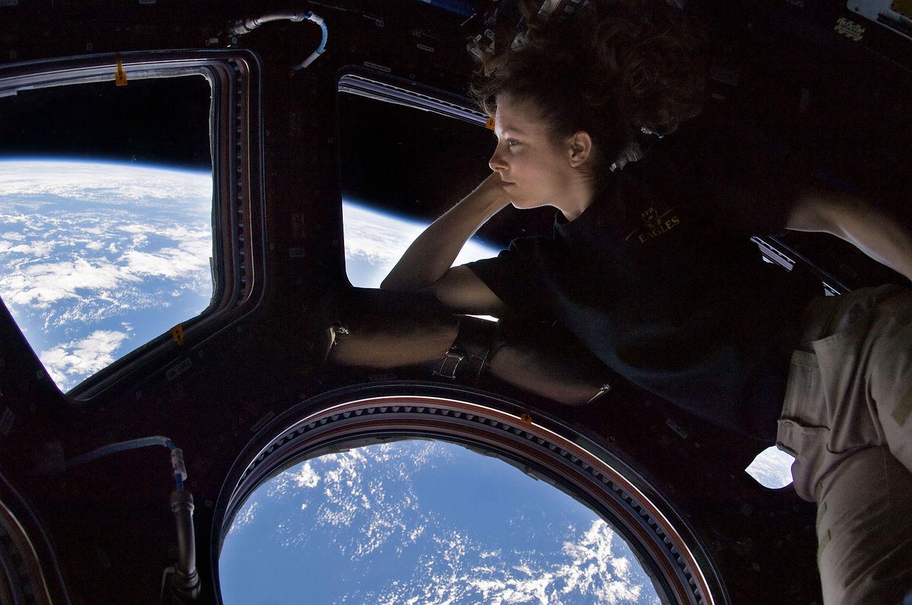 Пара слов про первое космическое кино